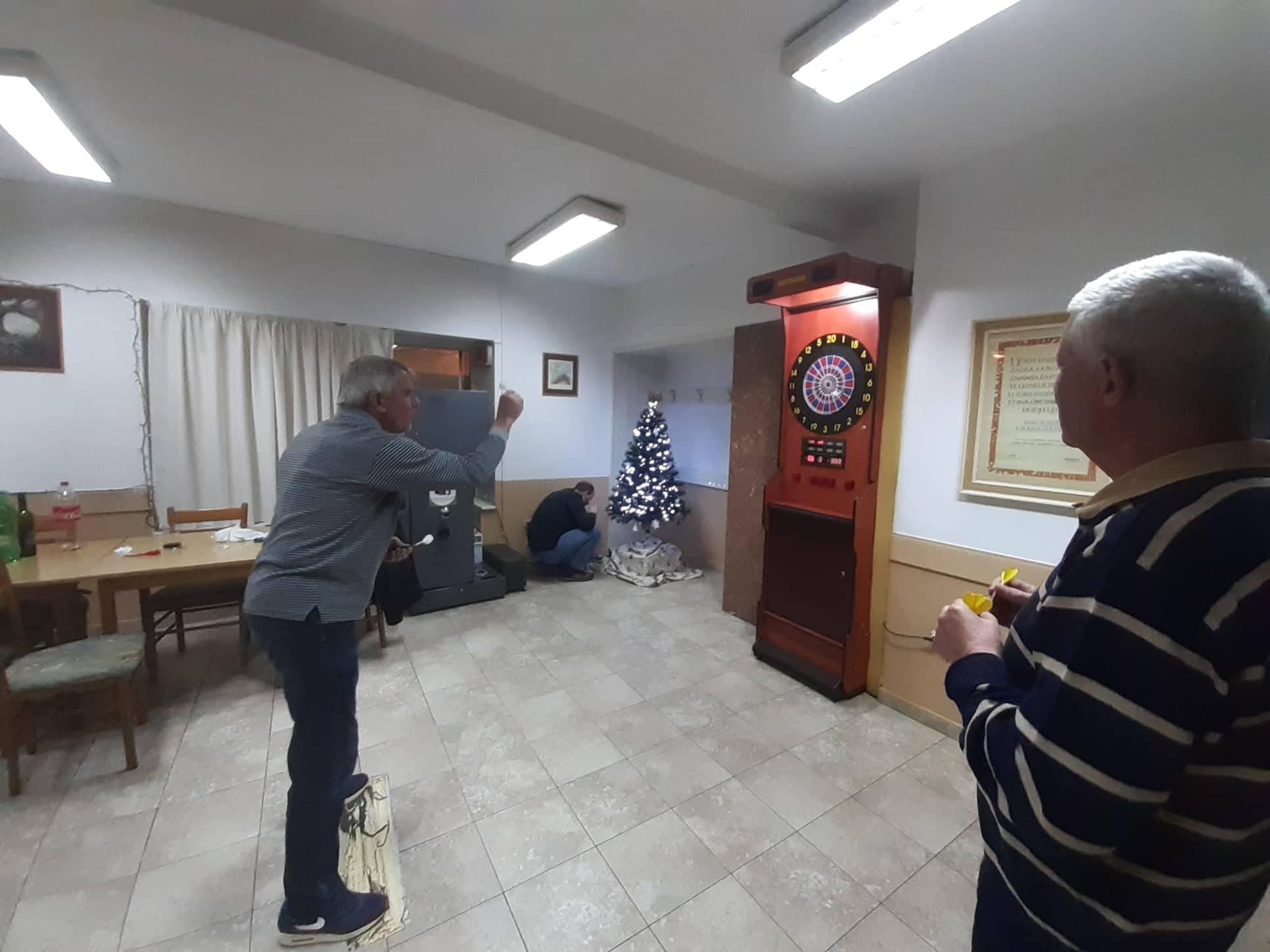 Božićni pikado turnir