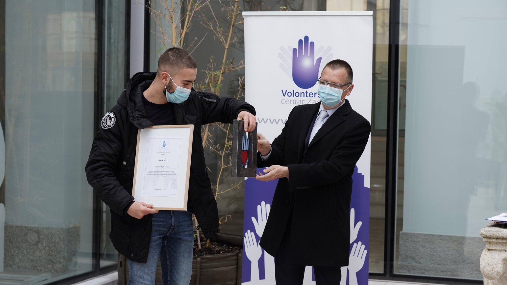 """Volonter Udruge Julian Zrnić dobitnik je ovogodišnje županijske nagrade """"Volonterska ruka"""""""